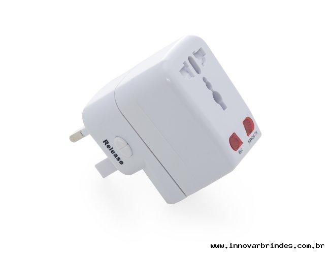 https://www.innovarbrindes.com.br/content/interfaces/cms/userfiles/produtos/adaptador-universal-1-02044-982.jpg