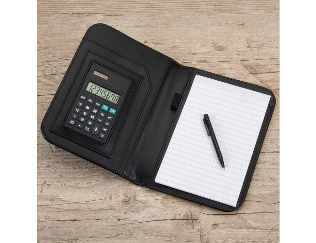 https://www.innovarbrindes.com.br/content/interfaces/cms/userfiles/produtos/bloco-de-anotacoes-com-calculadora-e-caneta-preto-3558d1-1479554879-788.jpg