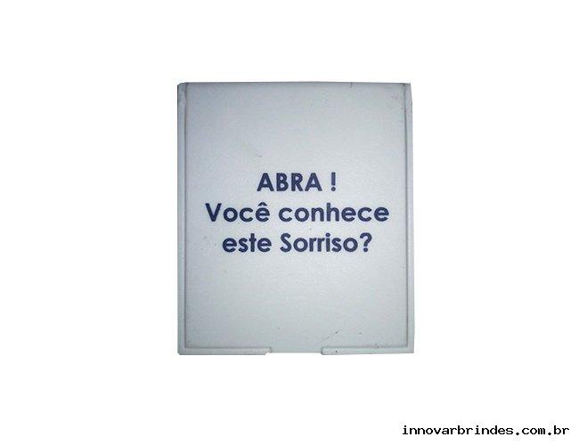 https://www.innovarbrindes.com.br/content/interfaces/cms/userfiles/produtos/espelhinho-para-brinde-in150-235.jpg