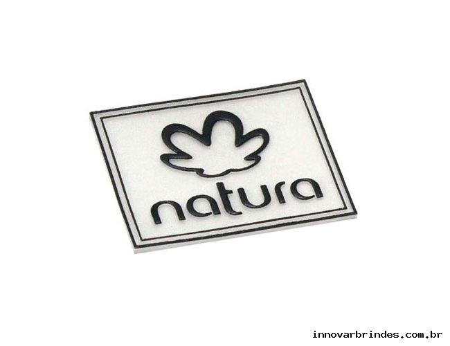 https://www.innovarbrindes.com.br/content/interfaces/cms/userfiles/produtos/etiqueta-emborrachada-personalizada-natura-in601-885.jpg