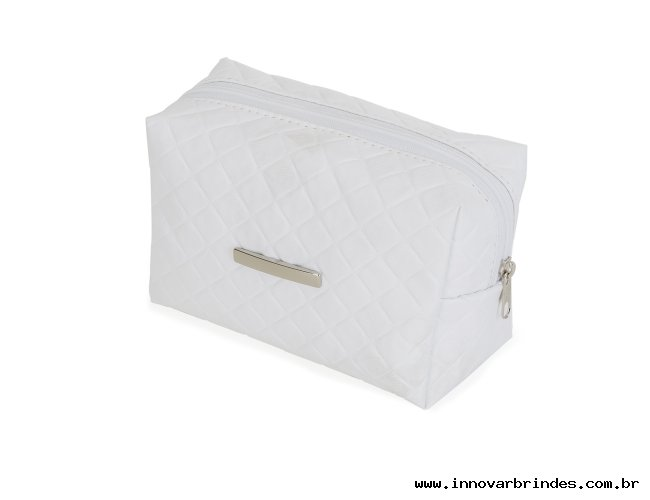 https://www.innovarbrindes.com.br/content/interfaces/cms/userfiles/produtos/necessaire-puff-matelasse-branco-in13295-685.jpg